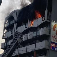 【火災】大阪府大阪市 阪急京都線 上新庄駅付近で火事発生!「爆発したっぽい… ガラスもえげつない飛び方してる…」