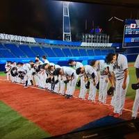 【称賛】侍ジャパン 試合後に無人客席&韓国ベンチに全員一礼 ネットから称賛の声!「最後に、マウンドに日の丸立てんでよかったです。」