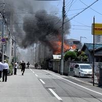 【火災】大阪市住吉区遠里小野 高野線 我孫子前駅付近で火事発生!「煙を吸い込まないようにするのが大変です。」