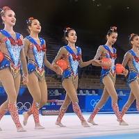 【朗報】東京五輪 新体操女子団体、ウズベキスタンチームの衣装がセーラームーンと話題に!『ムーンライト伝説』で華麗に演技!「これは有観客だったらすごい盛り上がりやったやろうなー」