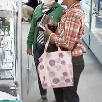 【窃盗疑惑】東京都中野の鉄道模型屋 商品を手に持ったままお店を去った男女の画像を公開!「」